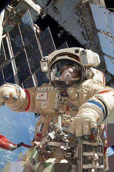 A month in Space: Cosmonaut Fyodor Yurchikhin Participates in Spacewalk