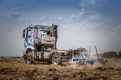 The Agro Mover is a tailor-made vehicle range in configuration for the European markets. Its development was target-oriented towards the increased demands of modern agricultural logistics. Semi Trucks, Big Trucks, 4x4, Truck Design, Hot Shots, Off Road, Agriculture, Mercedes Benz, Vehicles
