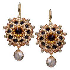 Orientalischer Ohrhänger mit Rocailles von Perlotte Schmuck // Oriental love - bead embroidery earrings| Perlotte Schmuck