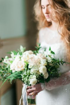 Green and Ivory Bouquet | photography by http://momentocativo.com/