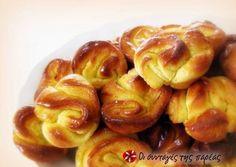 Orange rolls Sweets Recipes, Brunch Recipes, Cooking Recipes, Sweet Buns, Sweet Pie, Greek Desserts, Greek Recipes, Greek Bread, Orange Rolls