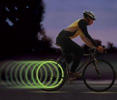 Das #Speichenlicht für dein #fahhrad ! #safetyfirst ... Mehr #gadgets und #geschenke via www.devallor.de - Make it yours!