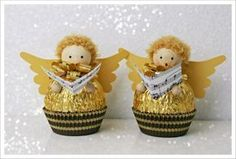 DIY Ferrero Rocher Gift Ideas – Edible Crafts This round up shows you creative ways to gift Ferrero Rocher chocolates. We have covered how to make trees, Christmas tree's cakes and even Ferrero Rocher Angels. These are such fun way to gi… Easy Christmas Crafts, Homemade Christmas Gifts, Christmas Candy, Christmas Angels, Christmas Projects, Handmade Christmas, Christmas Holidays, Christmas Decorations, Christmas Ornaments