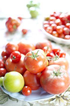 Tomat- og mozzarellasalat med pesto Mozzarella, Vegetables, Food, Meal, Eten, Vegetable Recipes, Meals, Veggies