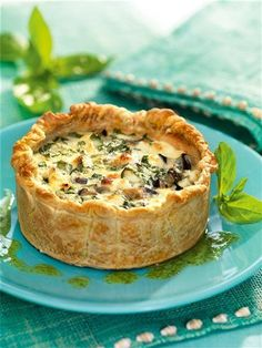 Receta de pastel de berenjena y queso de cabra, con masa quebrada. Eggplant Recipes, Pizzas, Quiches, Vegetable Recipes, Vegetarian Recipes, Healthy Recipes, Cooking Recipes, Probar, Arroz