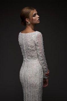 Mis Queridas Fashionistas: Chana Marelus Fall Winter 2016 (Evening dresses and wedding) Modest Wedding Dresses, Designer Wedding Dresses, Bridal Dresses, Wedding Gowns, Bridal Collection, Dress Collection, Haute Couture Dresses, Couture Bridal, Dress Vestidos