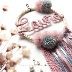 Crafting yarn DIY crafting baby hanger crafting for girl DIY for kids DIY crafti. Crafts For Girls, Diy Arts And Crafts, Diy For Girls, Diy Crafts, Kids Diy, Diy Jewelry Unique, Diy Jewelry To Sell, Diy Jewelry Making, Pom Pom Crafts