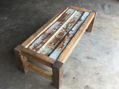 Ford tailgate coffee table/ own creation Car Part Furniture, Automotive Furniture, Wood Furniture, Furniture Design, Cool Diy Projects, Wood Projects, Woodworking Projects, Tailgate Table, Truck Tailgate