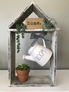 handmade home decor Superb Spring Home Decor Ideas With Farmhouse Style To Try Asap Pineapple Deco, Handmade Home Decor, Diy Home Decor, Handmade Ideas, Wood Crafts, Diy And Crafts, Country Farmhouse Decor, Farmhouse Style, Modern Farmhouse