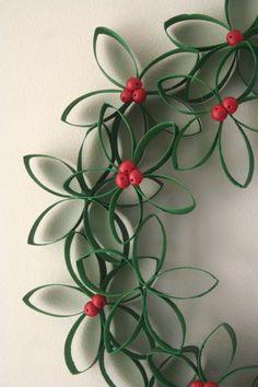Toilet Paper Roll Wreath http://www.joybx.com/entry/21603.html#respond