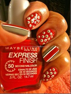 Not one to get extreme with my finger nail painting but i might need to do this---go bucks!