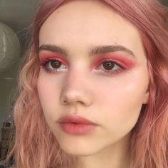 Eye Makeup Tips.Smokey Eye Makeup Tips - For a Catchy and Impressive Look Pink Makeup, Cute Makeup, Pretty Makeup, Makeup Art, Hair Makeup, Makeup Goals, Makeup Inspo, Makeup Inspiration, Makeup Ideas