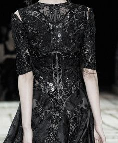 #Alexander McQueen spring 2011 #Details