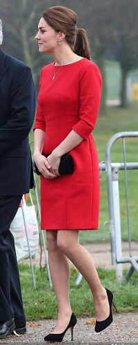 - Photo - The Duchess of Cambridge, née Kate Middleton, looked radiant in red as she carried out an official engagement for East Anglia Children's Hospices on Monday Princesa Charlotte, Kate Middleton Dress, Kate Middleton Style, Ascot Dresses, Star Wars, Prince William And Catherine, Celebrity Moms, Princess Kate, Duchess Kate