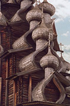 Wooden Church in Russia by GordonLewis Architecture Baroque, Wooden Architecture, Russian Architecture, Church Architecture, Beautiful Architecture, Architecture Design, Versailles, Amazing Buildings, Interesting Buildings