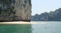Ба Чай Дао (Ba Trai Dao) - это три каменных острова в сердце самой главной достопримечательности Вьетнама - бухты Халонг.   #tuanlinhtravel #визовыйцентр #виза #вьетнам #акция #халонг