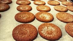 Fariinisokerikeksit (gluteeniton) | Juhli ja nauti, Jälkiruuat, Aamiaiset, Makea leivonta, Gluteeniton | Soppa365 Sweet Tooth, Muffin, Food And Drink, Gluten Free, Homemade, Cookies, Baking, Breakfast, Desserts