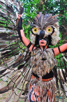 Los Mayas honraban mucho a su diosa Ixchel. Ellos la honraban para que les fuera muy bien en sus cosechas en barco en el mar.