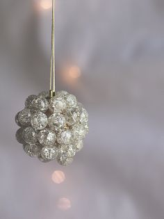 do it yourself divas: DIY: Jeweled Ornaments