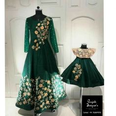 Designer Gowns For Womens, New Gown Design, Indian Gowns Online Mommy Daughter Dresses, Mom And Baby Dresses, Mother Daughter Dresses Matching, Mother Daughter Fashion, Girls Dresses, Mom Daughter, Indian Evening Gown, Wedding Evening Gown, Indian Gowns