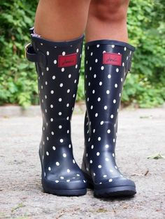 Dotted Rain Boots + Joules Giveaway ~ Suburban Faux-Pas