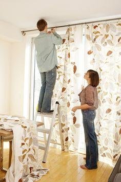 13 Designer Tricks to Make Mobile Home Ceilings Seem Taller: Curtains