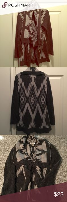 Tribal oversized sweater cover-up On trend and comfortable and warm! Thick quality material & trendy pattern. Oversized fit so could also fit a medium but it's size large. Pair with leggings and booties or jeans and a t-shirt, or as a cardigan over a dress! Bundle with another item & save 🤑automatic 10% discount on 2 or more items :) Sweaters Shrugs & Ponchos