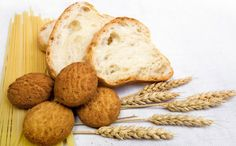 If you have been suffering symptoms that seem related to gluten, it may be possible that you have non-celiac gluten sensitivity. Here are 12 signs of gluten intolerance.