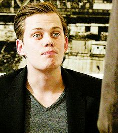 ♔ BILL SKARSGARD GIF HUNT ♔ Under the cut, you will find small/medium, HQ gifs of Bill Skarsgård. Best known for his roles in Simple Simon and Hemlock Grove. Requested by anonymous. Skarsgard Brothers, Bill Skarsgard Pennywise, Roman Godfrey, Bill Hader, My Ex Girlfriend, Hemlock Grove, Will Arnett, Romance, Face Claims