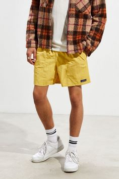 Shop Urban Outfitters' collection of mens shorts and swim trunks from top brands like Patagonia, Nike, and Polo Ralph Lauren. Patagonia Outfit, Patagonia Shorts, Summer Outfits Men, Men Summer, Guy Outfits, Indie Outfits, Casual Outfits, Urban Outfitters Men, Streetwear Shorts