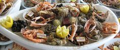 Assiette de fruits de mer - Wikipedia - Ate It Weird - Boutique Fish Dishes, Seafood Dishes, Seafood Recipes, Fish Recipes, Dinner Recipes, Shrimp And Lobster, Raw Oysters, Borobudur, Food Security