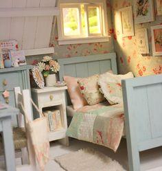 142 Best Miniature Bedrooms Images Dollhouses Miniature Rooms