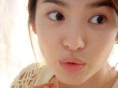 """Song Hye Gyo Tampak Indah di Behind-Scene-Foto dari """"Itu musim dingin, The Blows Angin"""" -    Song Hye Gyo Tampak Indah di Behind-Scene-Foto dari musim dingin itu, The Blows angin     yw740030    4 Maret 2013    Komentar           Baru pada papan buletin komunitas online, beberapa foto yang diupload dengan judul, aktris Dewi di set drama.   Dalam gambar... - http://www.technologyka.com/indonesia/info-terbaru/dunia-artis-dan-hiburan/korea/song-hye-gy"""