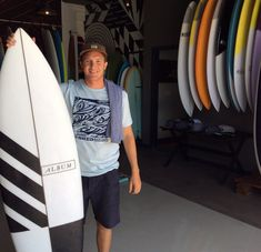 First stoked customer of the day! Surfboard Painting, Instagram Feed, Surfing, Surf Boards, Album, Colors, Design, Fashion, Moda