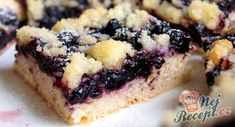 Vegan Blueberry Crumb Bars by SweetSpell Blueberry Crumb Bars, Vegan Blueberry, Lorraine Recipes, Cookie Recipes, Dessert Recipes, Pie Crumble, Sweet Cakes, Summer Desserts, Dairy Free Recipes