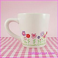 Taza jardín, para tomar un café con sabor a primavera. Diseño exclusivo, pintada a mano. Se puede meter en el lavavajillas a baja temperatura.