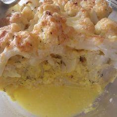 Egy finom Csőben sült karfiol tejfölös mártással és sajttal ebédre vagy vacsorára? Csőben sült karfiol tejfölös mártással és sajttal Receptek a Mindmegette.hu Recept gyűjteményében!