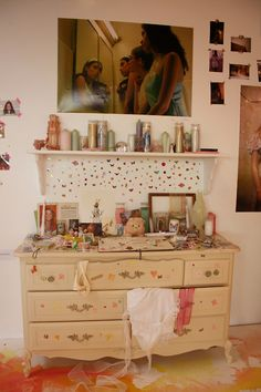 Teen girl bedrooms, decorating info number 4461606673 for rad room decor. My New Room, My Room, Girl Room, Pretty Room, Teen Girl Bedrooms, Teen Bedroom, Aesthetic Bedroom, Dream Rooms, Home Decor Bedroom