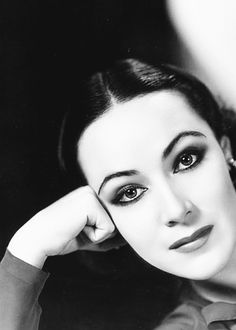 "Dolores Del Rio Hollywood lady: "" ""Take care of your inner, spiritual beauty. That will reflect in your face. Viejo Hollywood, Hollywood Star, Old Hollywood Glamour, Golden Age Of Hollywood, Vintage Glamour, Vintage Girls, Vintage Hollywood, Vintage Beauty, Classic Hollywood"