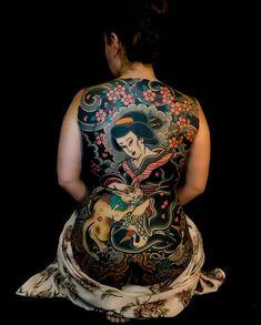 Horisada body art japanese back tattoo, tattoos и back tatto Tattooed Women Full Body, Back Tattoo Women, Tattooed Girls, Japanese Back Tattoo, Japanese Tattoo Women, Hot Tattoos, Body Art Tattoos, Girl Tattoos, Female Tattoos