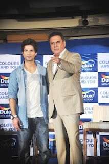 Shahid Kapoor at The Launch of Book Colours and You By Dulux Paint. | Bollywood Cleavage
