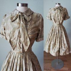 1950s Cotton Paisley Summer Fall Day Dress / 1950s Dress / 50s Dress / Vintage Cotton Dress / Small 26 Waist Vintage Summer Dresses, 50s Dresses, Dress Vintage, Cotton Dresses, Vintage Outfits, Vintage Fashion, Look Short, Taffeta Dress, Autumn Day