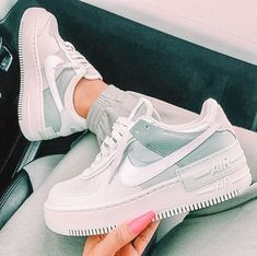 All Nike Shoes, Nike Shoes Air Force, Hype Shoes, New Shoes, Nike Tennis Shoes, Running Shoes, Jordan Shoes Girls, Girls Shoes, Shoes Women