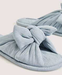 Velvet and faux-fur slides - Footwear - Pyjamas and homewear Slipper Socks, Slippers, Faux Fur Slides, Bow Slides, Cotton Sleepwear, Drop, Bow Sneakers, Lingerie, Color Azul