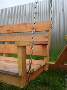 сделать садовые качели Wood Pallet Furniture, Wood Pallets, Outdoor Furniture, Outdoor Decor, Shoe Cubby, Backyard Swings, Cubbies, Porch Swing, Projects To Try