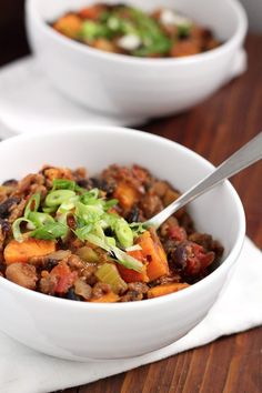 A Bowl of Sweet Potato Chili Is What You Need to Make Your Winter Cozy