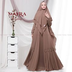 Mughny Syari by Mayra Casual Hijab Outfit, Ootd Hijab, Niqab Fashion, Modest Fashion, Kebaya Muslim, Plus Size, Coat, Womens Fashion, Abayas