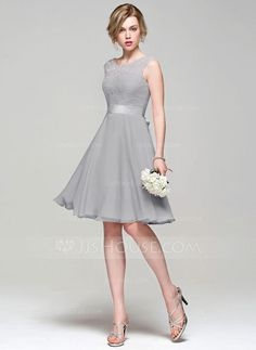 e79539fc53 A-Line Princess Scoop Neck Knee-Length Chiffon Lace Bridesmaid Dress With  Bow