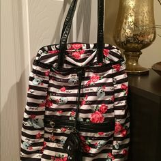 Betsy Johnson book back. This beautiful Betsy Johnson book back is so cheek and in style. Betsey Johnson Bags Backpacks