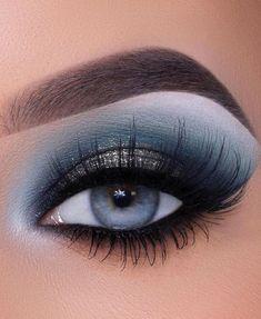 Bold Makeup Looks, Blue Eye Makeup, Fall Makeup, Smokey Eye Makeup, Cute Makeup, Skin Makeup, Eyeshadow Makeup, Fall Eyeshadow Looks, Blue Smokey Eye